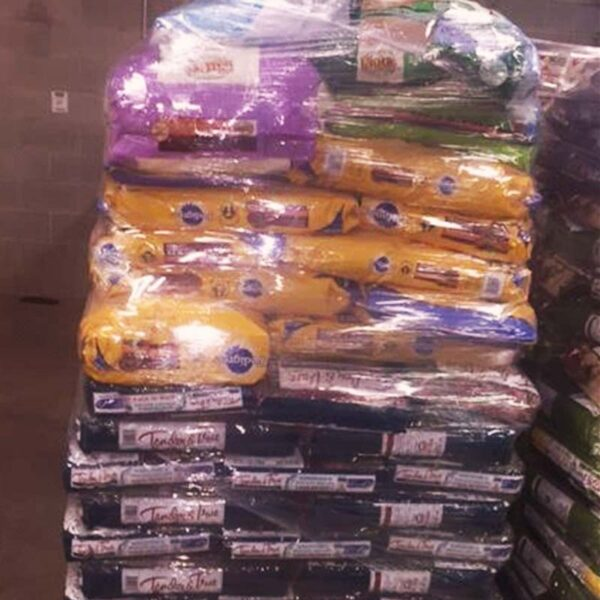 Food for dogs and cats form top brands by truck