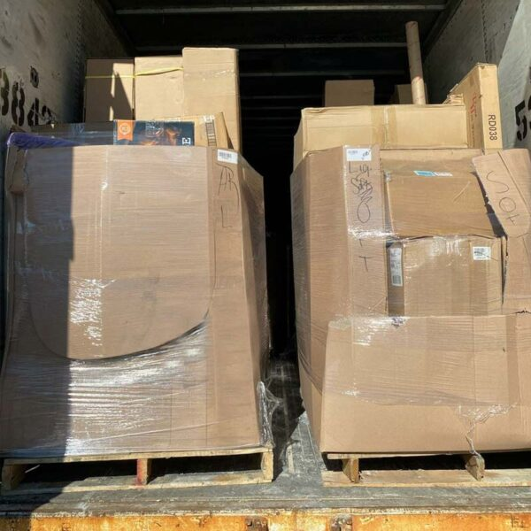 Amazon's merchandise in wholesale liquidation